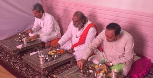 મહંત મહારાજ શ્રી ભરતબાપુ with CM of Gujrat